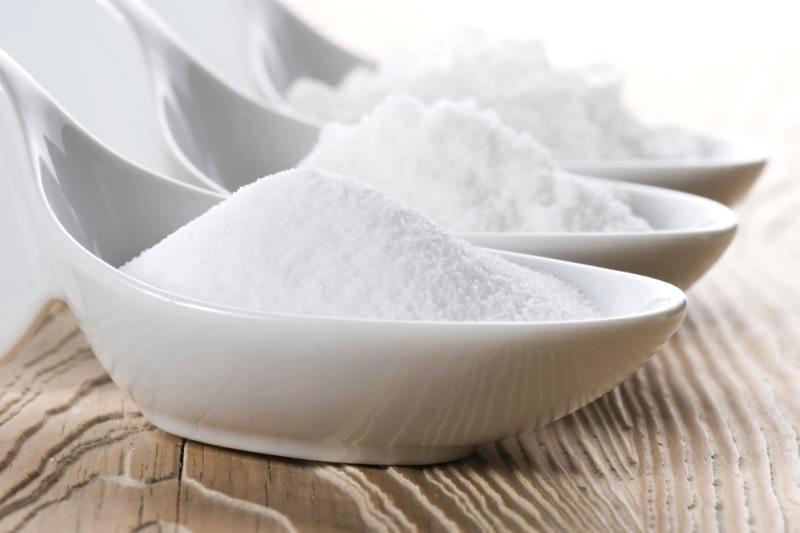 Пищевая сода в мисках
