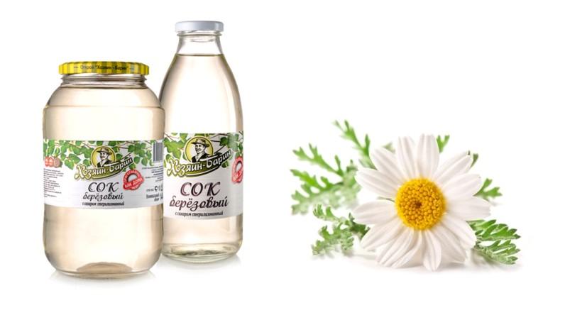 Березовый сок и цветки ромашки