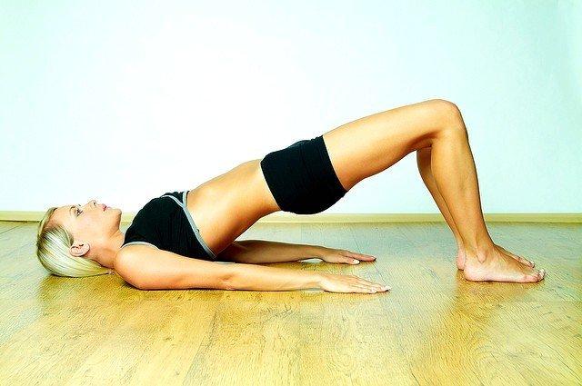 Упражнение лежачий мостик