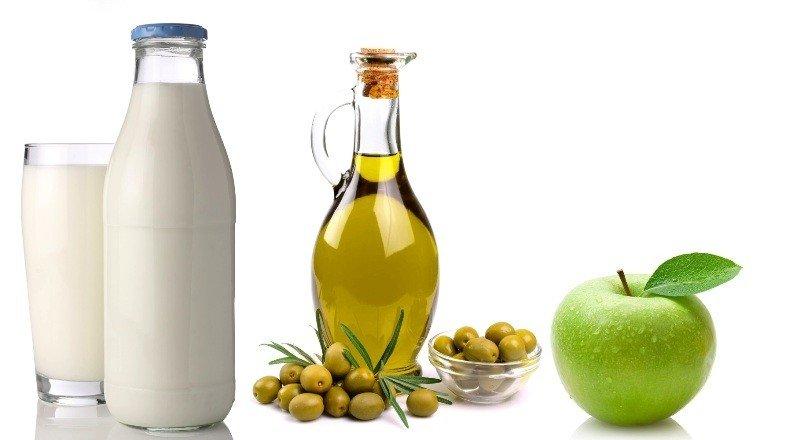 Кефир, кислое яблоко и оливковое масло