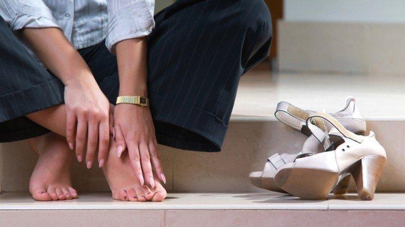 Уставшие стопы и туфли