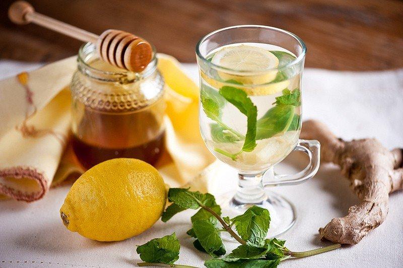 Лимон, имбирь, мед, вода полезны для жиросжигания