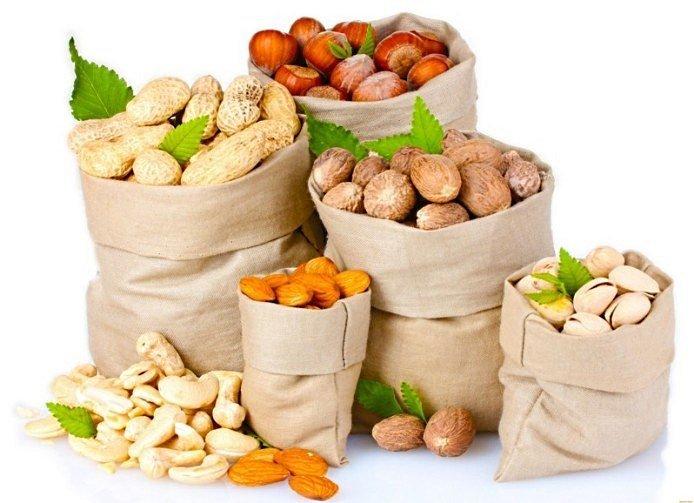 Орехи – полезный продукт для укрепления ногтей