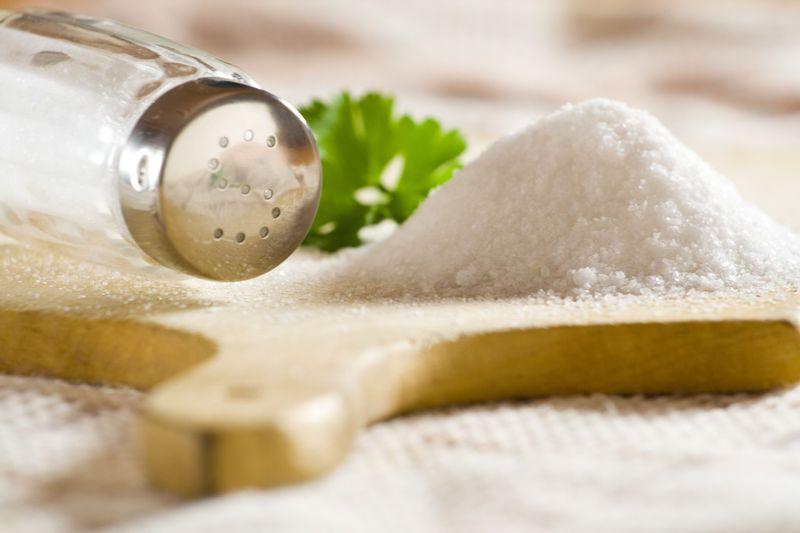 Избыток соли приводит к отекам