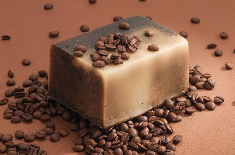 Кофейное мыло и зерна кофе