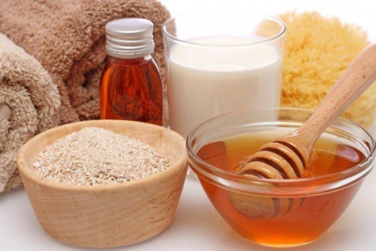 Мед, овсяное толокно, масло и молоко как вариант для приготовления маски