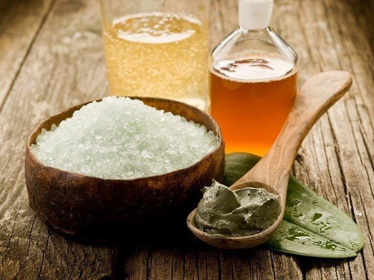 Соль, глина и косметические масла