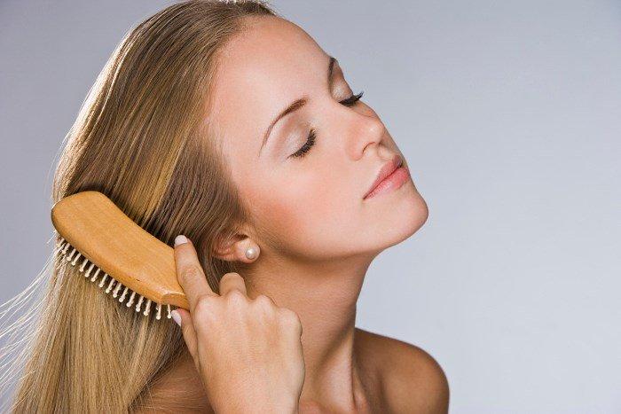 бережное расчесывание волос