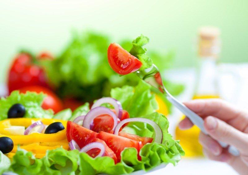 Продукты с низким гликемическим индексом: салат, помидоры