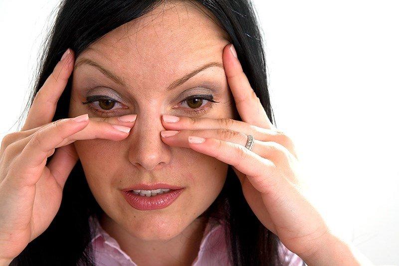 Зуд кожи вокруг глаз