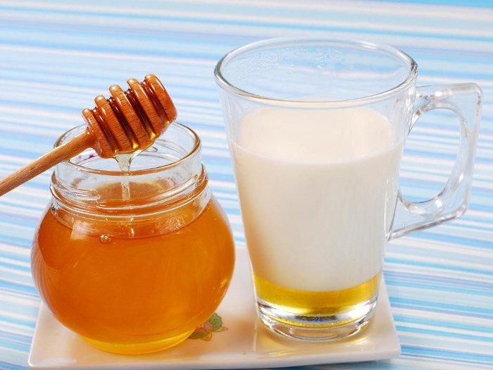 Мед и простокваша для лица