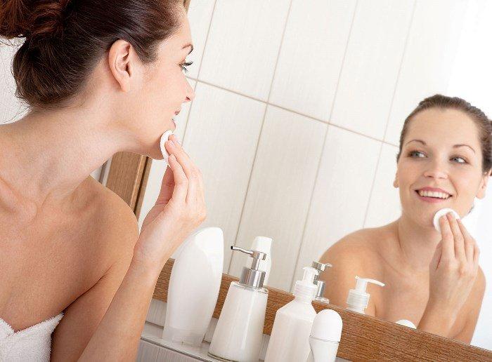 Подготовка к нанесению альгинатной маски: очищение, тонизирование и нанесение питательного средства
