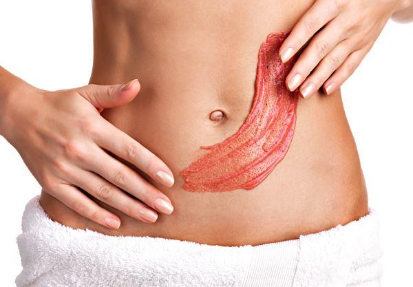 Нанесение на кожу средства от целлюлита