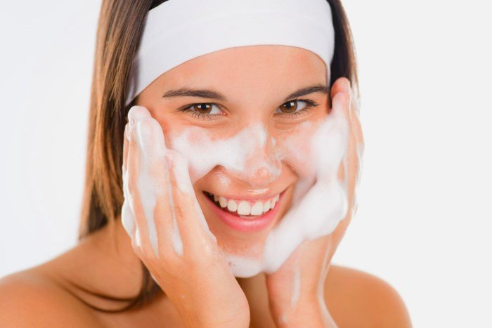 Профилактика и лечение проблемной кожи, умывание лица