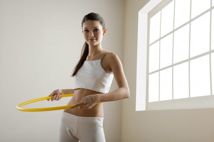 Упражнения с обручем для живота
