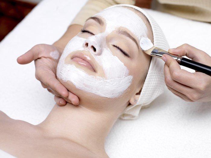 Косметологическая процедура для лица