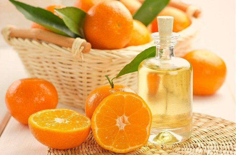 Плоды и масло мандарина
