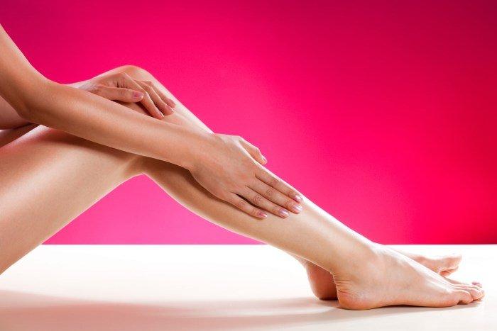 Гладкая женская нога