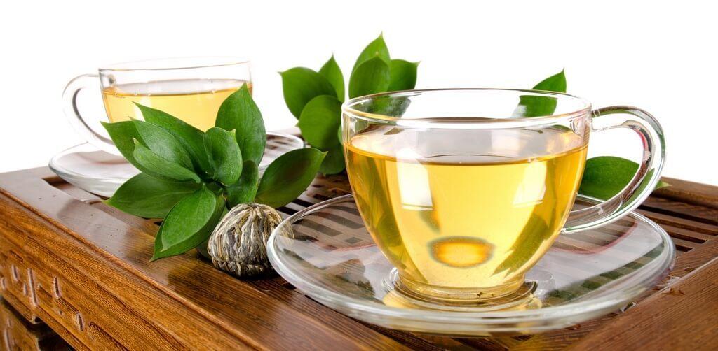 Зеленый чай успокаивает кожу лица