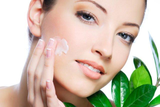 Как избавится от шелушения кожи на лице?
