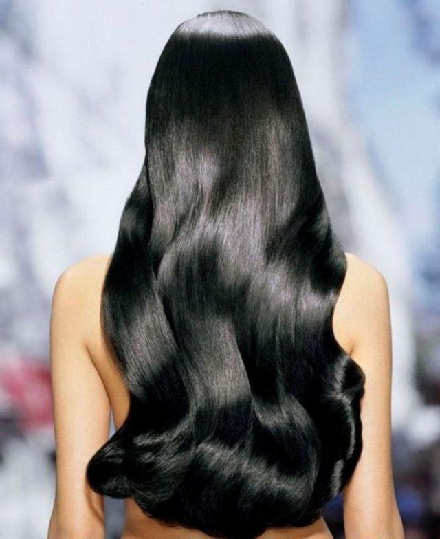 Клиенты салонов красоты, неоднократно испробовавшие процедуру ламинирования на себе, говорят о том, что эффект сохраняется на волосах несколько недель