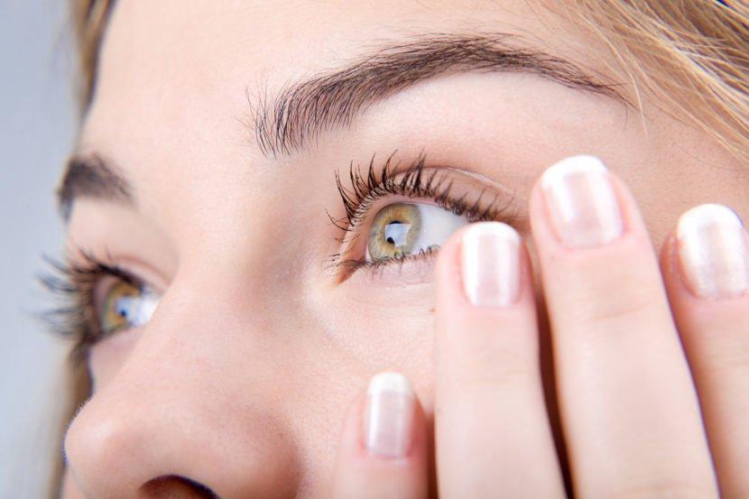 Почему опухают верхние веки глаз как убрать опухоль