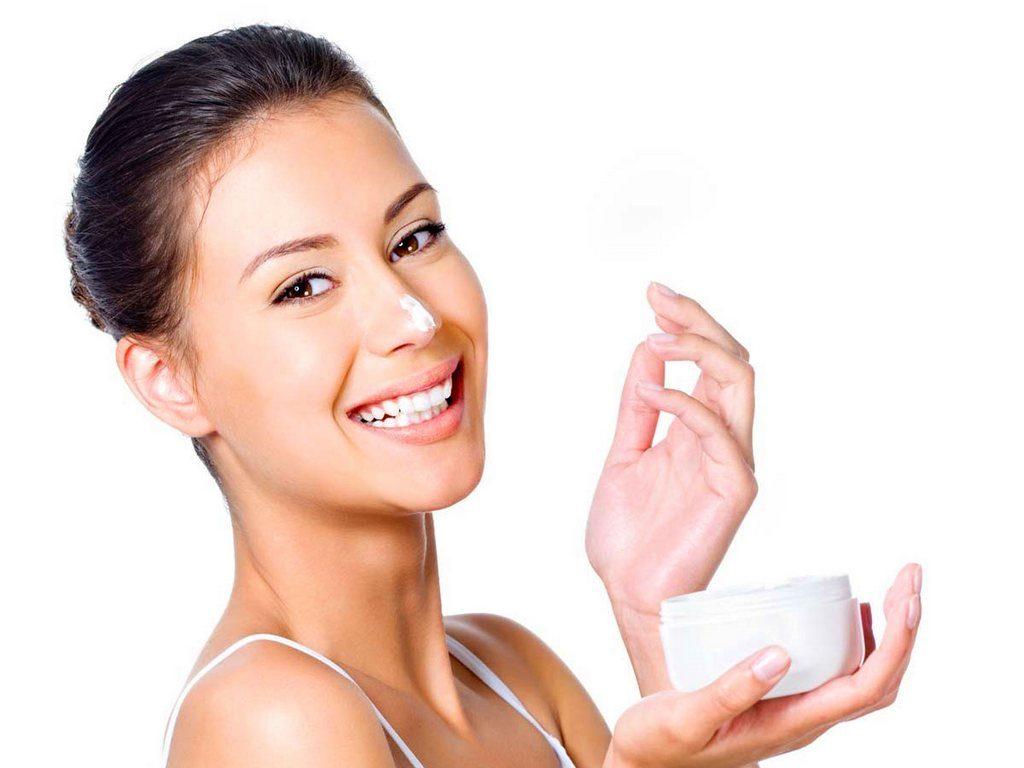 Нанесение крема на нос