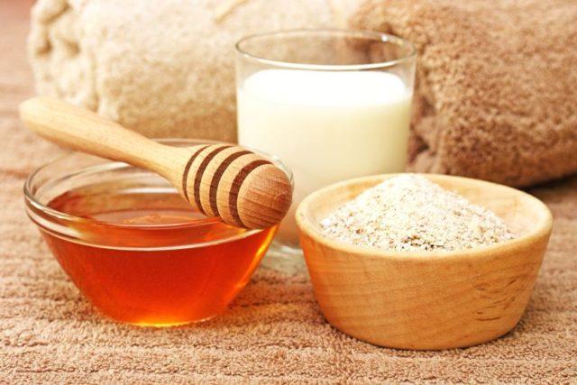Мед – природный антисептик, также в нем много полезных витаминов и минералов