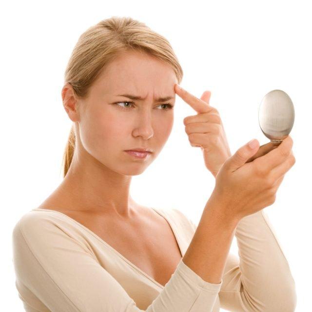 Проблемы с кожей у девушки