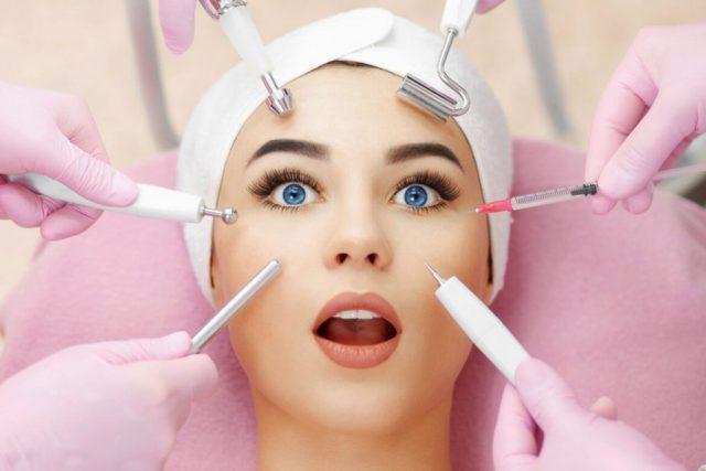 Девушка и косметические процедуры