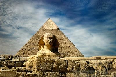 Пирамиды фараонов в Гизе
