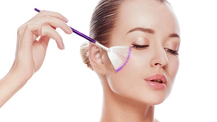 Как проходит процедура пилинга лица?